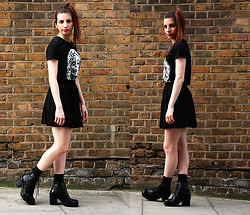 Vanessa - Ebay T Shirt, H&M Skirt - I, Robot... You, Jane