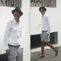 Youssef Sâw - Zara Hats, Ray Ban Eyewear, H&M Shirts, Zara Shorts, Zara Sneakers - Clique Hype and Feel Your Better