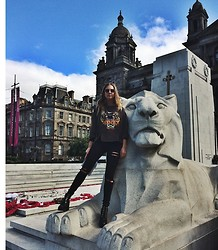Laura Hayden - Kenzo Shirt, Asos Ripped Jeans - You are gonna hear me ROAR
