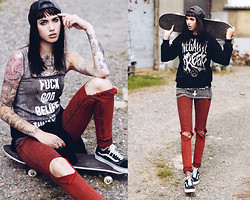 Jane Dean - Disturbia Top, Vans Sneakers, Sweater - F*ck god, believe in yourself.