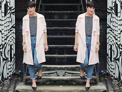 LOLLI MAHON - Warehouse Pink Draped Front Trench, Topshop Mom Jeans - TRENCHCOAT ANGEL