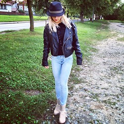 Antonella - Romwe Hat, Zara Leather Jacket, Marc By Jacobs Shirt, Levi's® Jeans, Chloé Boots - Back to black