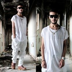 Faissal Yartaa - No Attack White Stripes T Shirt, Yesfor Fashion Multifunction Retro Square Straight Unisex Personality Sunglasses New, Yakitoko Time Keeper - REAL  MEN FEAR NO  ATTACK