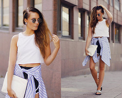 Outi Toivola - H&M Crop Top, Zara Clutch, Nike Track Shorts, Adidas Sandals - Sportish