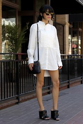Lucia Mouet - H&M Shirt, Madewell Sunglasses - OVER-SIZED CLOTHING
