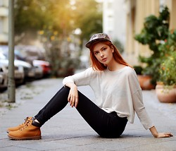 Ebba Zingmark - Primark Vegan Boots, Profound Aestetic Hat, Count The Sheep Top - TOUCHDOWN