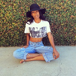 Precious Gilbert - Fruit Of The Loom Vintage Cut Off Top, Levi's® Vintage Jeans - To live and die in LA
