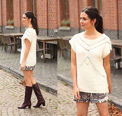 Annebeth B - Selected Sweater, Selected Shorts, Lobogato Necklace - Perfect Vintage Boots