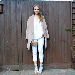 Lauren Wilson - Next Coat, H&M Shirt, River Island Jeans, Justfab Shoes - Camel