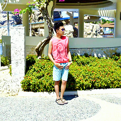 John De Leon - Ray Ban Sunnies, Tribu Sandals, American Apparel Chino Shorts - Summer Feels