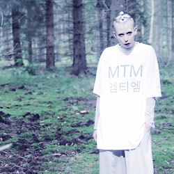 JENNY MUSTARD . - Mind The Mustard Hangul T Shirt - . new promo video : HANGUL .