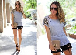 Mónica Sors - Sheinside Tee, Sheinside Shorts, Suiteblanco Shoes - Casual glam after the wedding