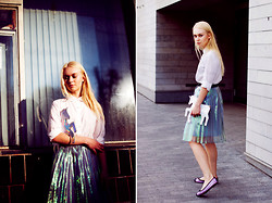 Lena Ushakova - Antipodium Skirt, Bloch Ballerina Shoes, Chic Wish Unicorn Clutch - VOYAGE OF THE UNICORN
