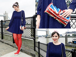 Joyce Nunes - Antix Dress, Lupo Red Tights, Accessorize Union Jack Clutch, Melissa Ultragirl Sweet Love - My London bridge wanna go down...