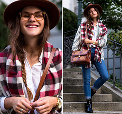 Michèle Krüsi - Cardigan, Scarf, Bag, Jeans, Booties, Viu Glasses, Hat - READY FOR AUTUMN