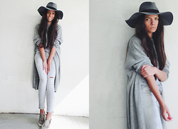 Olga Peterson - Cos Cardigan, Zara Jeans, H&M Sneakers, H&M Hat - Grey Day