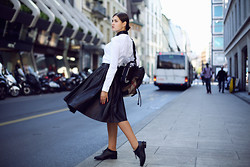 Elvira Abasova - Burberry Skirt, Burberry Shirt, Burberry Backpack - BACK TO SCHOOL WITH BURBERRY