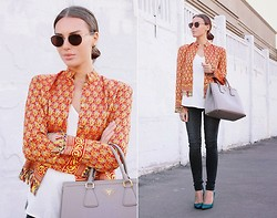 Rita Galkina - Vintage Jacket, Giorgio Armani Sunglasses, Prada Bag, Zara Shirt - Red Gold