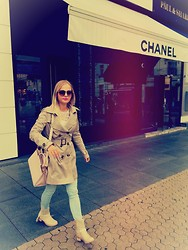 Antonella - Miu Sunglasses, Zara Blouse, Burberry Trench Coat, Chloé Boots, Prada Bag, Chanel Store - City life