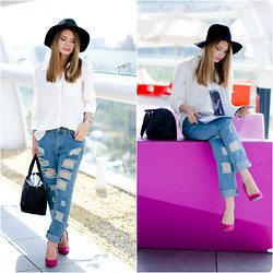 Julie P - Lovelywholesale Jeans, Vila Shirt, Bershka Shoes, H&M Hat - Touch of pink