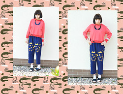 Tilda Frank - Horror!Horror! Sweatshirt, Kombokolor Pants, Monki Sox - ♥ Though these nights are haunting me