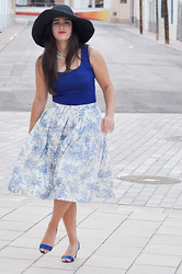 Amanda R. - Something Fashion Blog Skirt, Zara Top, Zara Shoes - DIY midi skirt - Something Fashion
