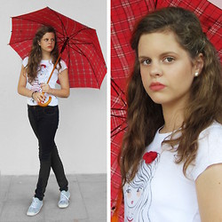 Emilia M. - Primark Jeans, Carrefour Shirt - Plaid in the rain