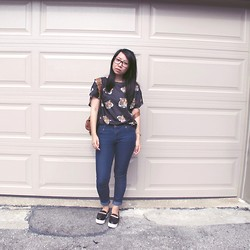 Betty; L - Forever 21 Chain Platforms, Forever 21 Blue Skinnies, Aldo Backpack, Stitches Tiger Print Tee - Rawr