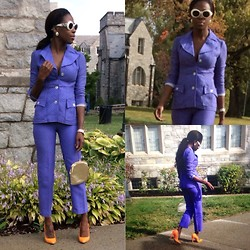 Sheek P. - Sheekvintage 1950s Suit, Versace Vintage Shades, Tory Burch Earrings, Sheekvintage Vintage Purse, Lamb Pumps, Michael Kors Watch - Pastels for Fall. Classic Jacket O look!