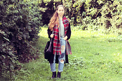 Jen Lou M - New Look Tartan Scarf, A X Paris Grey Tee, Pull & Bear Ripped Jeans, Topshop Black Kimono, Topshop Black Satchel, New Look Black Ankle Boots - Thinking Out Loud