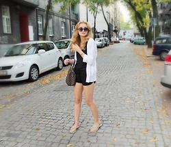 Martyna Lupa - Second Hand, Terranova, Zara, Louis Vuitton, Tommy Hilfiger - Say hello to fall in shorts!