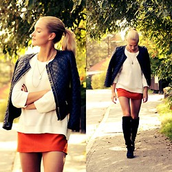 Petra Karlsson - Jacket, Sweater, Shoes - 14-09-24