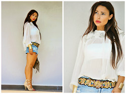 Nekane Smith - Zara Blouse, Stradivarius Shorts, Zara Belt - Lovely Blouse