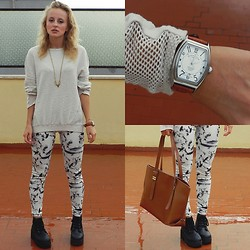 Diana Vioget - Franck Muller Geneve Brown Clock, Zara Brown Bag, Zara Painted Leggins - Living up,giving up.