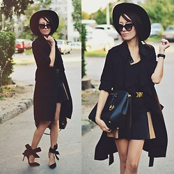 Paris Sue - Jessicabuurman Heels, Prada Sunnies, Michael Kors Bag, Moschino Belt, Romwe Hat, Persun Skirt, H&M Trench Coat - Black is such a happy color!