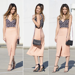Friend in Fashion * -  - CHANEL. CROPS. PENCIL SKIRTS