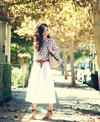Hallie S. - Midi Skirt, Vince Sandals, Céline Bag - Fall