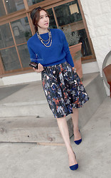 Miamiyu K - Miamasvin Knit Cropped Sweater, Miamasvin Pleated Floral Skirt, Miamasvin Pointed Toe Suede Pumps - Leather x Floral