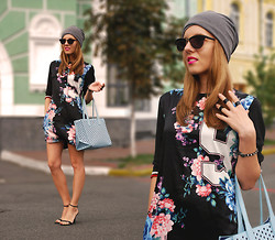 Iren P. - Oasap Floral And Number Printed Sporty Dress, Jersey Slouch Beanie Hat, Pack Of Three Matt Black Midi Rings, Six Vintage Gold Metal Sunglasses, Zara Baby Blue Perforated Shopper Bag, Buffalo Ankle Strap Black Heeled Sandals - GLAM ROCK