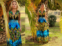Elin Hansson - Spain, Torrevieja (Alicante) Peacock Dress - PEACOCK