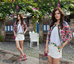 Viktoriya Sener - 6ks Jacket, 6ks Shorts, Inci Bag, Zara Sandals - FLOWERBED