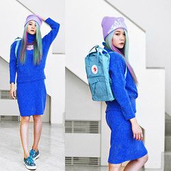 Junko Suzuki - Fjallraven Kanken Back Pack, Markus Lupfer Jewel Tiara Beanie, Superga 2750 Cotu Snake Sneakers, Canari Blue Knit, Canari Purple Tassel Necklace, Manic Panic Mermaid Hair - 270914