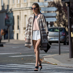 Dasha Gold - Shakuhachi Nude Top, Zara Cape Poncho, Kitte Accoutrement Statement Necklace, Wanted Shoes Mule - Bonjour Paris