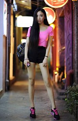 Kaitlyn N - Vintage Pink T Shirt, American Apparel Shorts, Mcm Backpack, New Blance Trainers - Something pink