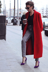 Rita Galkina - So Number One Coat, Pollini Shoes, Topshop Jeans, J. Crew T Shirt - Red