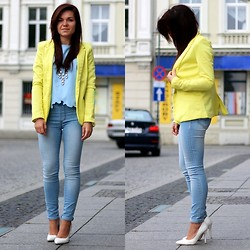 Daria Stręk -  - Yellow jacket
