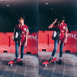 Haha Hariz - Thrifted Black Bowler Hat, Cotton On Phoenix Feather Prints, Eyeball Tote, Topman Vintage Cut Skinny Jeans, Penny Red Board - Phoenix