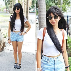 Lyndsay Picardal - Vintage Glasses, Forever 21 Midriff, Highwaist Shorts, Cotton On Jellies - Simplicity