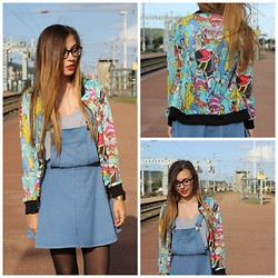 Lauranne Fait des bêtises - Asos Disney Jacket, New Look Salopette, Top - Walt Disney