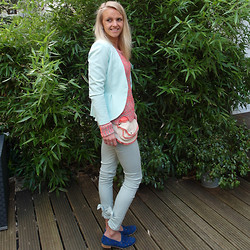 Susanne Bender - Hipp Bag, Supertrash Trousers, Maison Scotch Color Attack Jumper - Color Attack!
